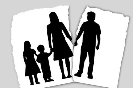 family-3090056_640